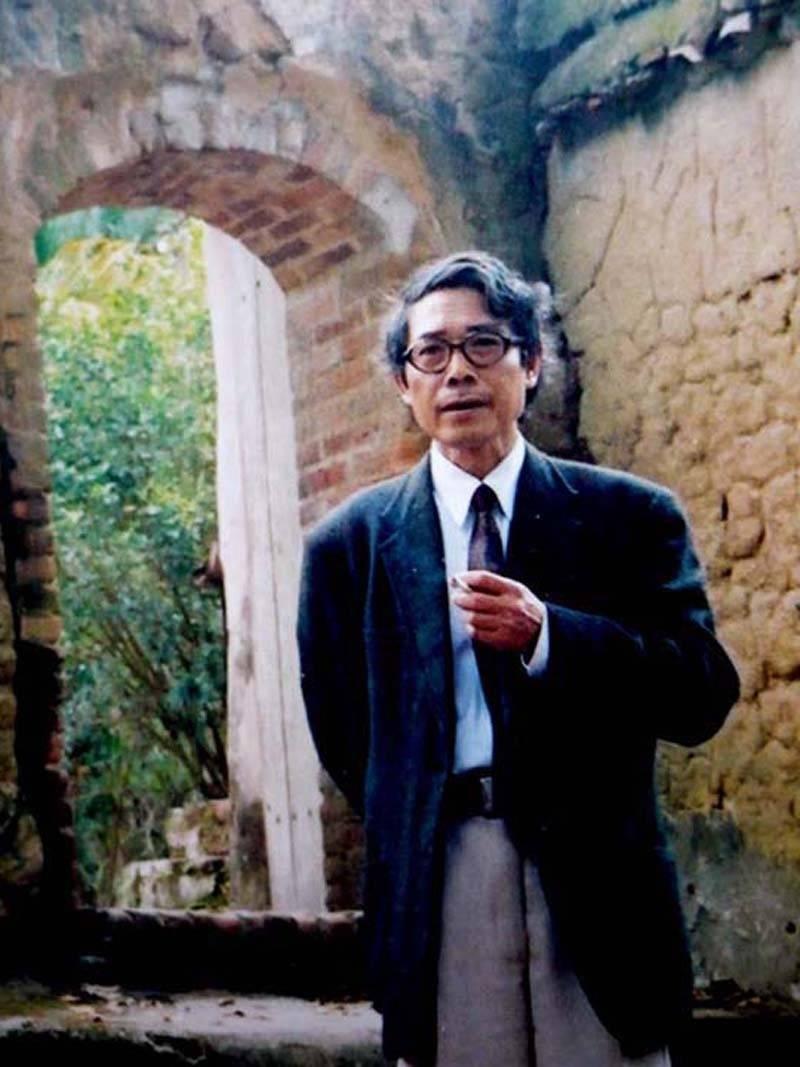 nhà thơ Bế Kiến Quốc