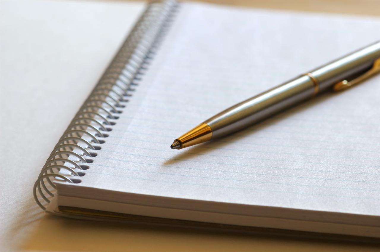 pen-and-notebook - MET Marketing