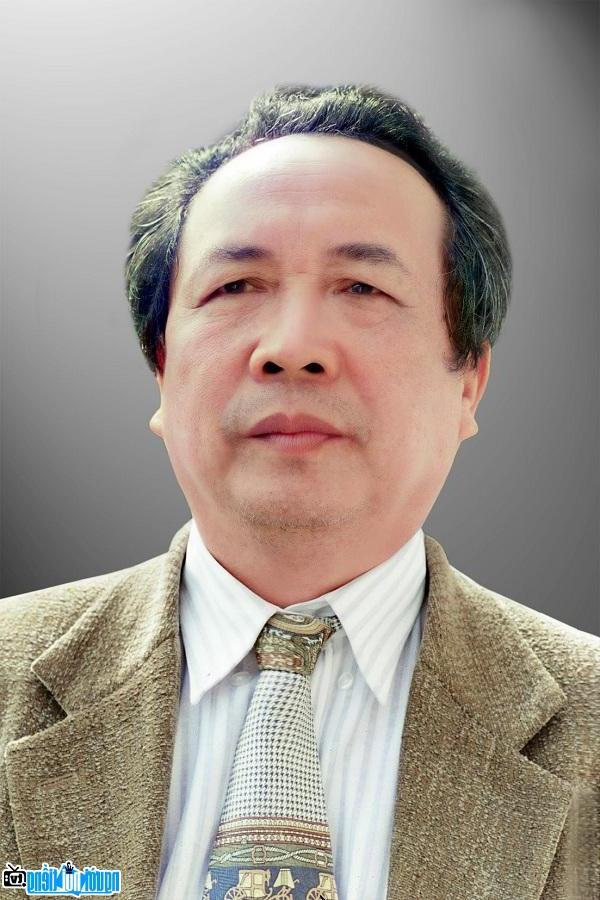 Nhà văn Lý Biên Cương